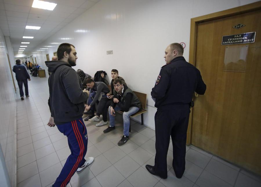 МВД: мирную акцию протеста и беспорядки в Бирюлёво организовали разные люди