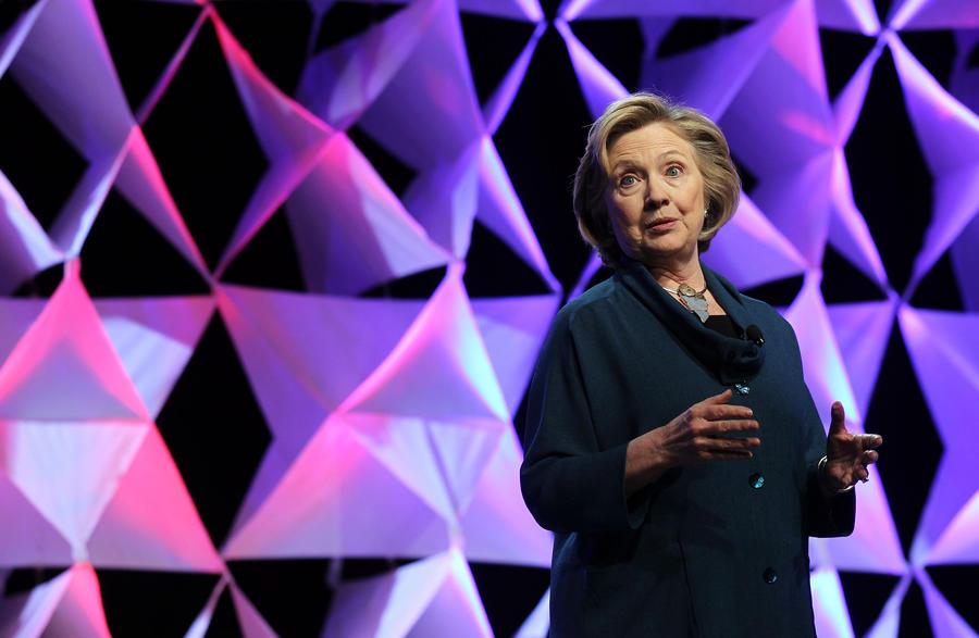 Хиллари Клинтон отменила выступление в Сан-Диего после протестов местных жителей