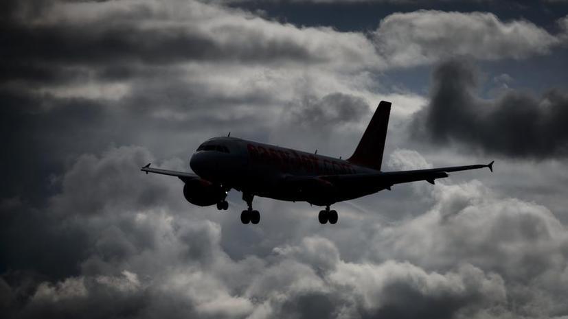 Захваченный неизвестными Boeing 767 совершил экстренную посадку в аэропорту Женевы