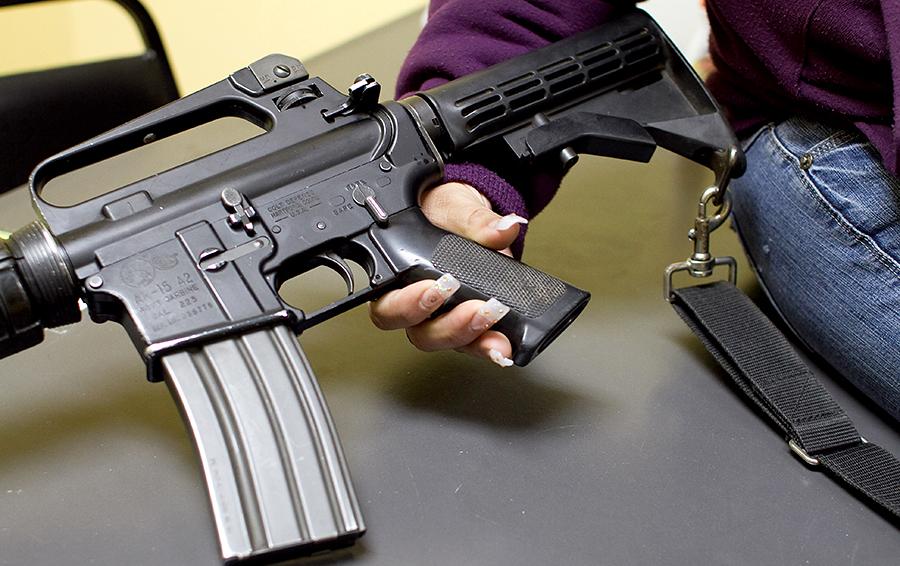 Полиция США арестовала женщину, купившую оружие убийце