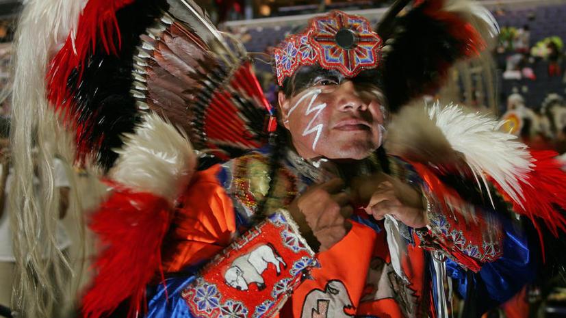 Номерные знаки со статуей индейца возмутили верующего жителя Оклахомы