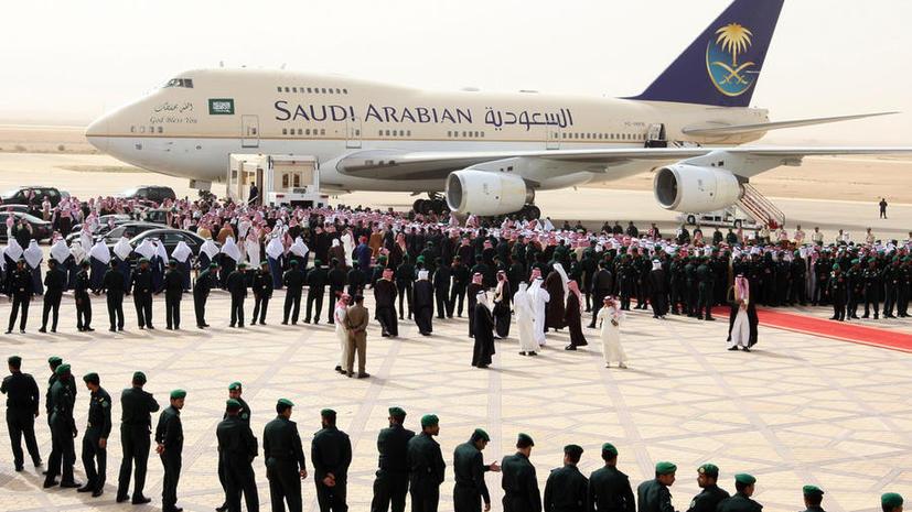 Саудовская Аравия посадит порознь мужчин и женщин в своих самолётах