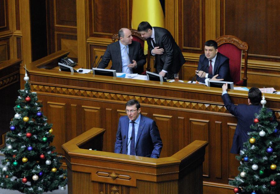 Эксперт: Новый бюджет Украины рассчитан на получение кредитов МВФ и носит антисоциальный характер