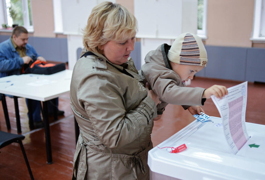 Депутаты продлили рассмотрение законопроекта о возврате в избирательные бюллетени графы «против всех»