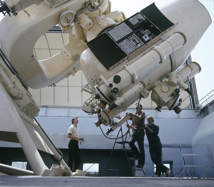 Астрономы вычислили расстояние до источника загадочных сигналов из космоса