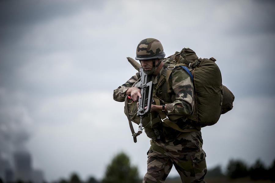 В рядах немецкой армии обнаружили около 400 экстремистов