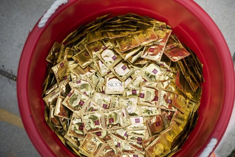 Минздрав проконтролирует цены на презервативы