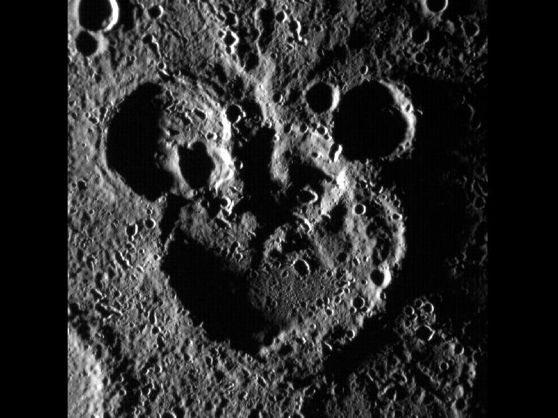 Планета Меркурий улыбнулась зонду «Мессенджер»