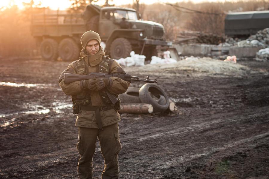Минобороны ДНР: Около 120 украинских силовиков сдались в плен ополченцам в Дебальцеве