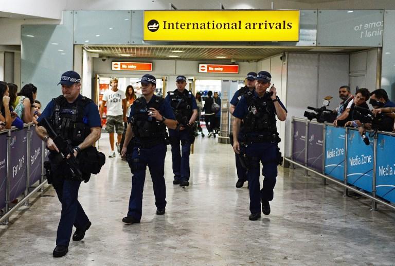 Британские пограничники запугали правозащитников