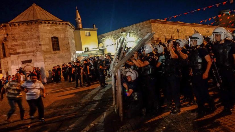 В Стамбуле задержаны 20 участников антиправительственного митинга