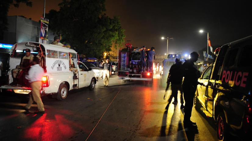 Более 20 человек погибли в результате атаки боевиков на аэропорт в Пакистане