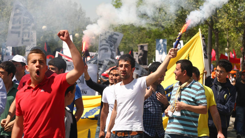 Турки отметили День республики митингами против Эрдогана
