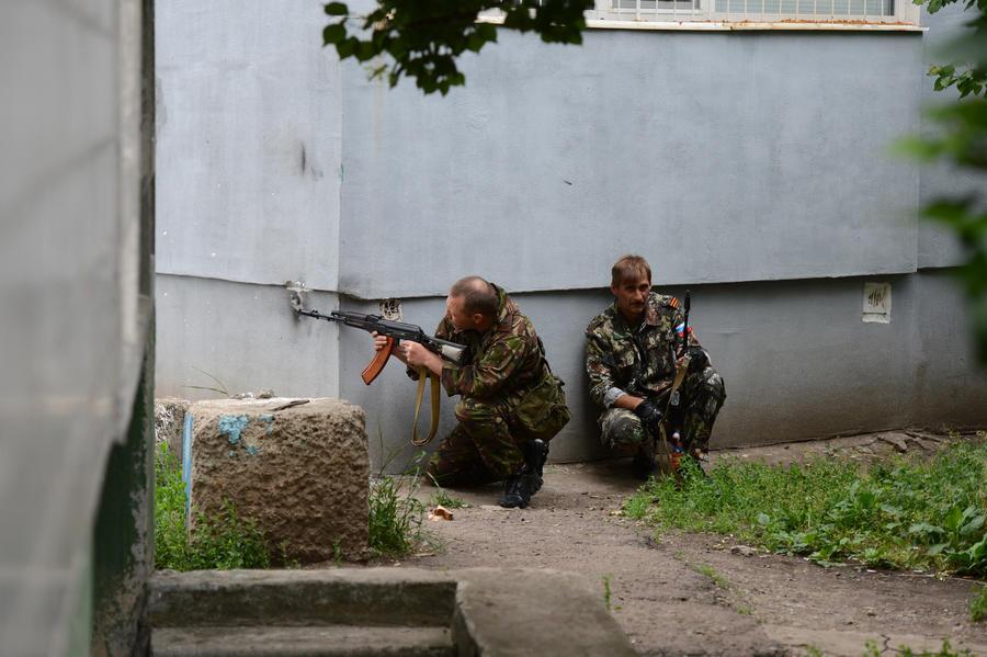 СМИ: Украинская армия пытается прорваться в центр Славянска