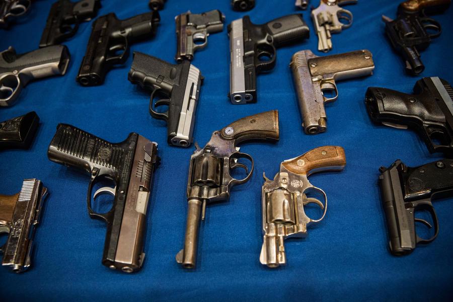Банда в Нью-Йорке подпольно продавала пистолеты музыкантам-рэперам