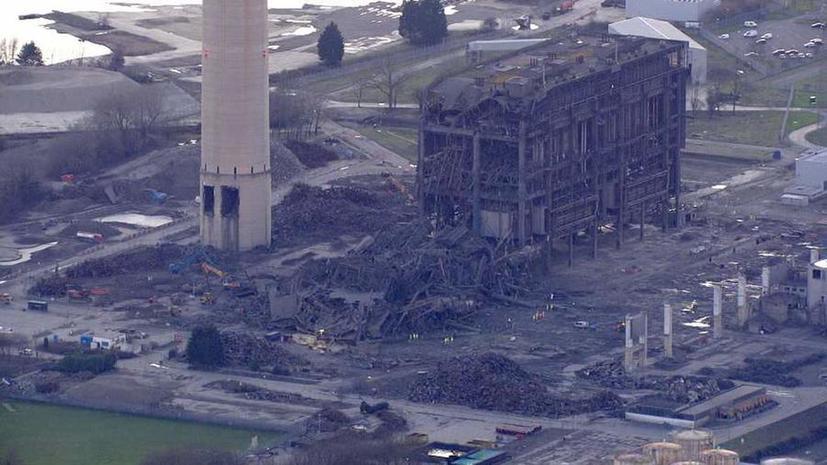 Жертвой обрушения на электростанции в Англии стал один человек, есть раненые и пропавшие без вести