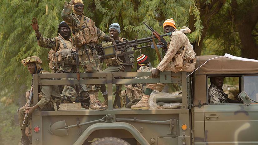 Французы и малийцы отбили у исламистов аэропорт Тимбукту, исламисты жгут библиотеки древнего города