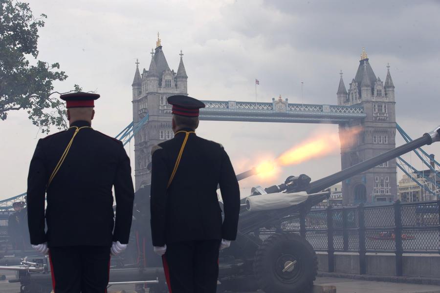 Участников оружейной выставки в Лондоне выгнали за демонстрацию орудий пыток