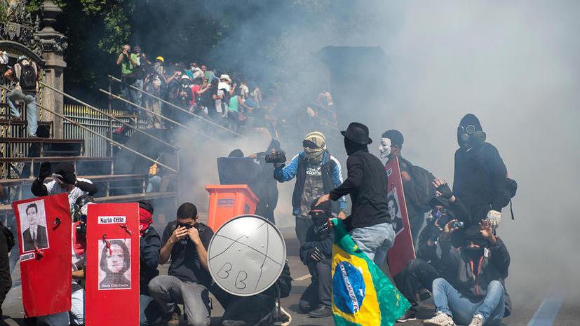 Празднование Дня независимости в Бразилии обернулось массовыми беспорядками