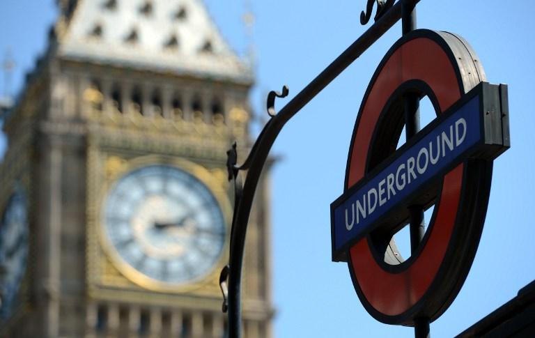 Уборщики лондонского метро устроили новогоднюю забастовку