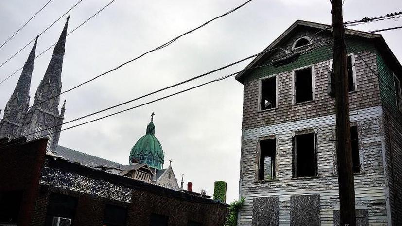 Власти Северной Ирландии возводят декорации и создают иллюзию процветания накануне саммита G8