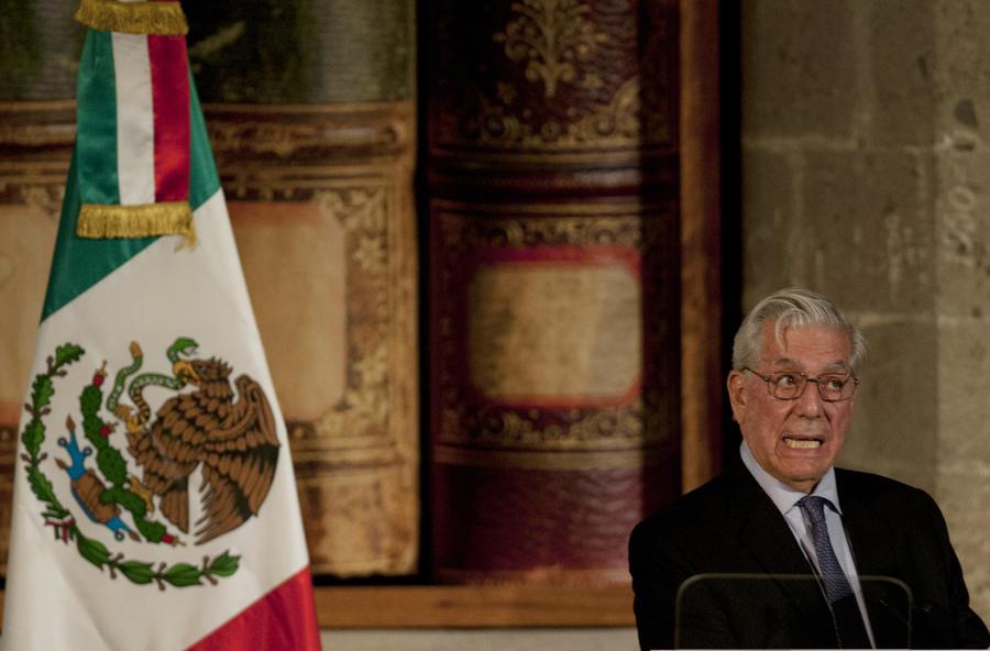 ФБР преследовало мексиканского писателя за поддержку Фиделя Кастро