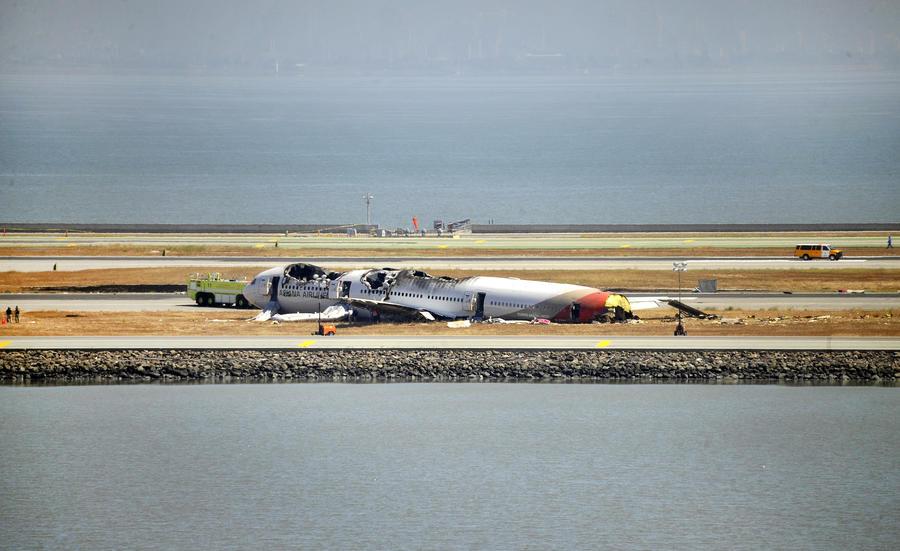 Звонки в службу спасения 911 раскрыли новые подробности крушения Boeing 777 в Сан-Франциско