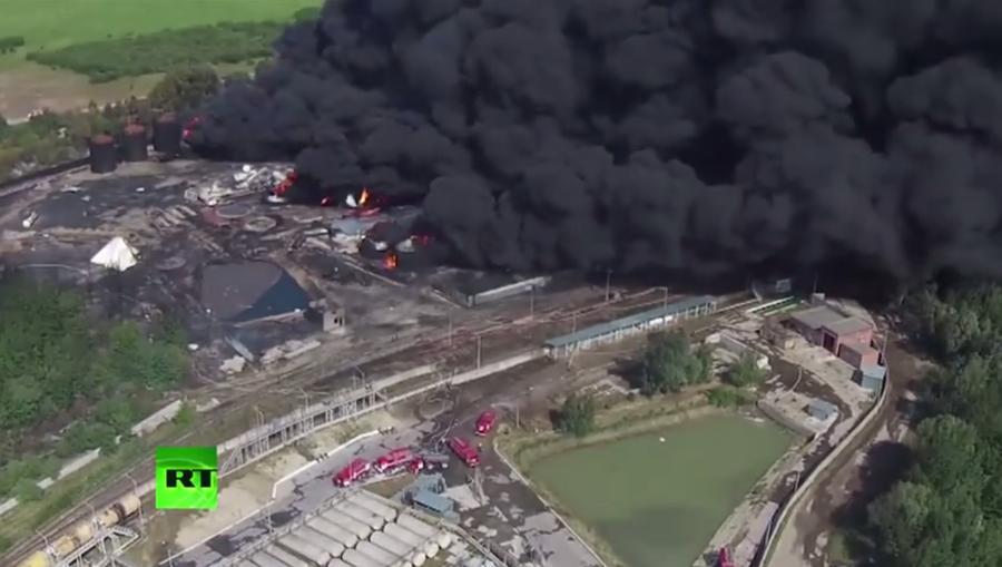 Глава МВД Украины: Сумма убытков в результате пожара на нефтебазе под Киевом составила $48 млн