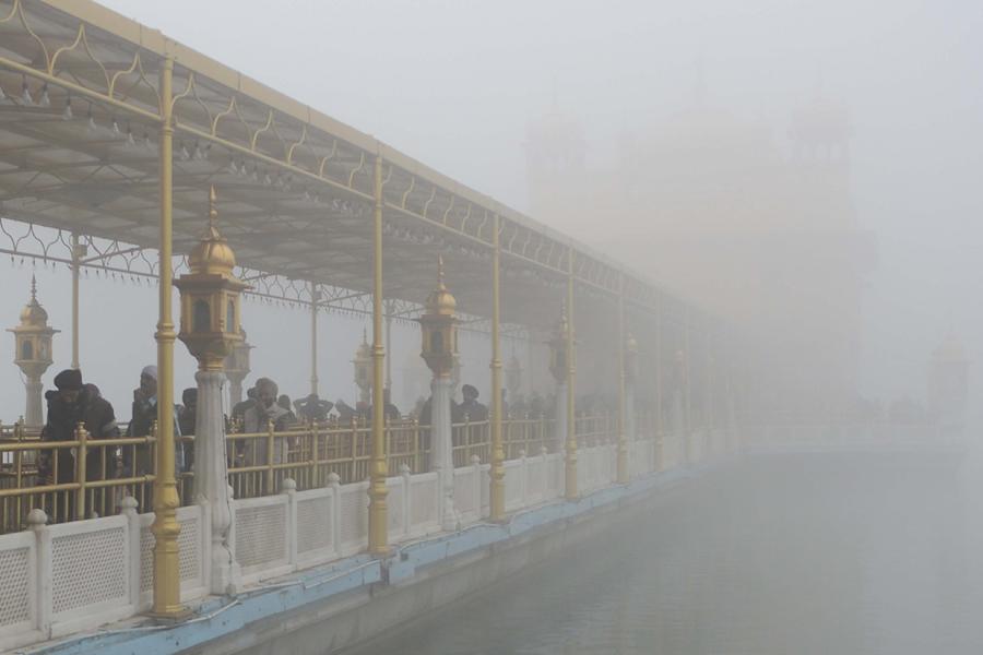 Экстремальные холода и туманы обрушились на Индию, 26 человек погибли