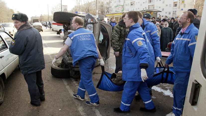 На севере Москвы женщина-водитель насмерть сбила трех человек на остановке