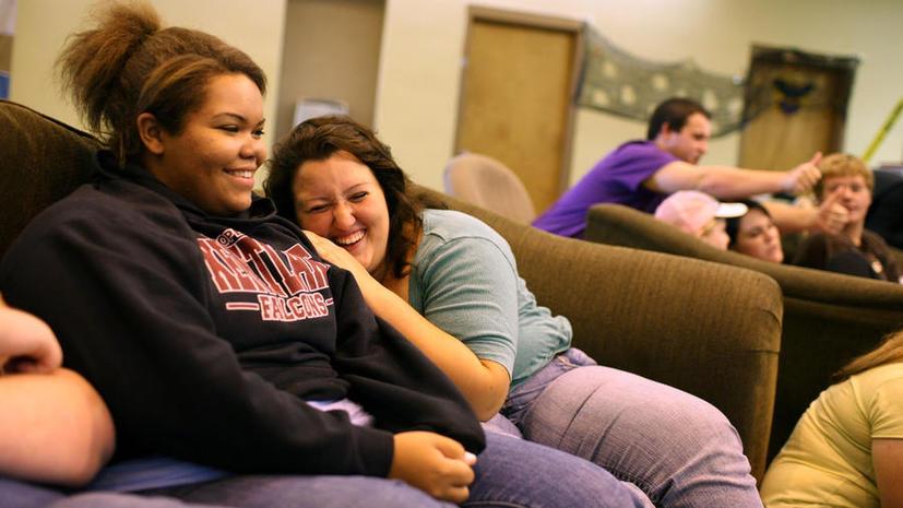 США выделяют $1.5 млн на изучение проблемы толстых лесбиянок