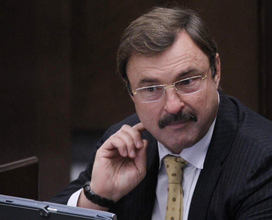 Сенатор Андрей Гурьев покидает Совет Федерации из-за запрета на счета за рубежом