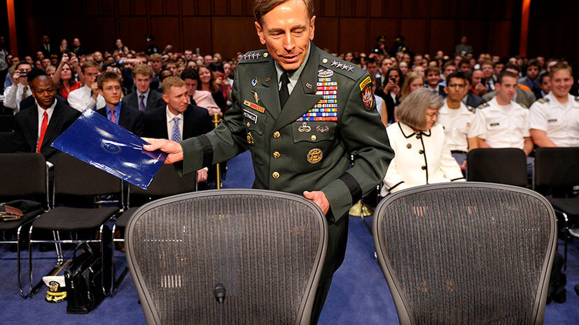 Экс-глава ЦРУ отказался баллотироваться в президенты США из-за любви к жене