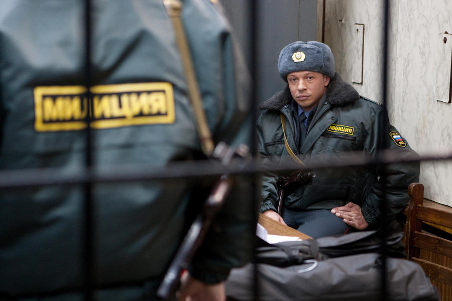 Полиция задержала 44 человека с ножами и нунчаками в московском офисе