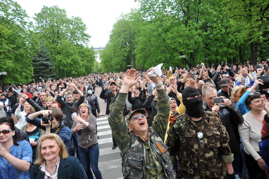 В Луганске сторонники федерализации заняли областную телестудию