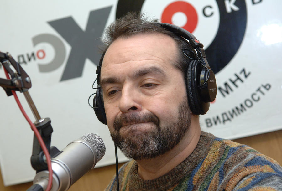Виктор Шендерович выплатит 1 млн рублей в пользу лидера фракции «Единой России» в Госдуме