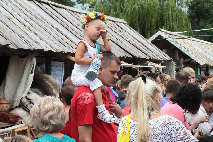 Виктор Янукович потребовал соблюдать права украинских детей, усыновлённых иностранцами