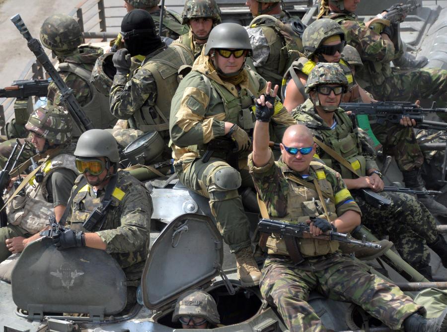 СМИ: Иностранные нацисты воюют на Украине не ради демократии