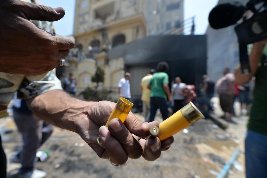 Боевики обстреляли машину египетского командующего