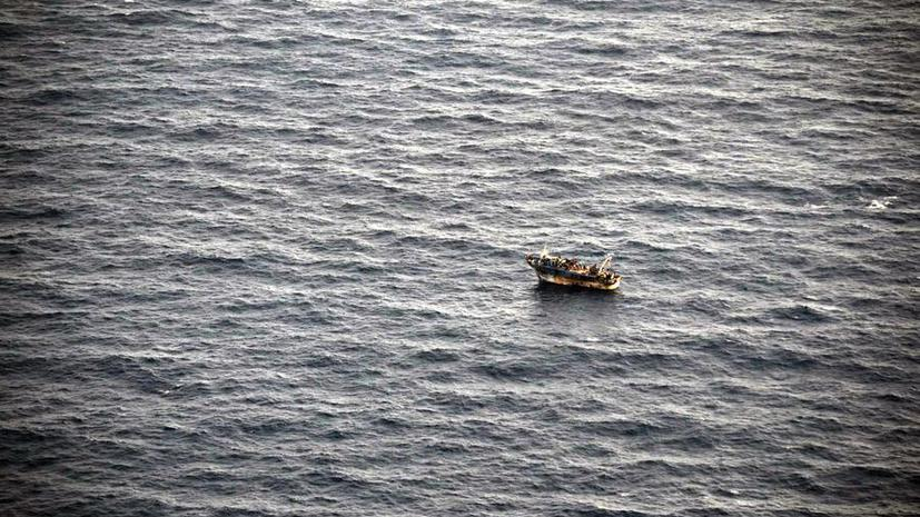 У берегов Греции терпит бедствие судно, перевозящее несколько сот мигрантов