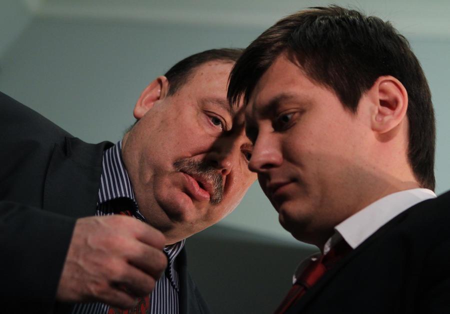 Треть россиян поддержали исключение Гудковых из партии «Справедливая Россия»