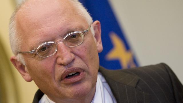 Экс-комиссар ЕС: Запад не будет принуждать РФ возвращать Крым
