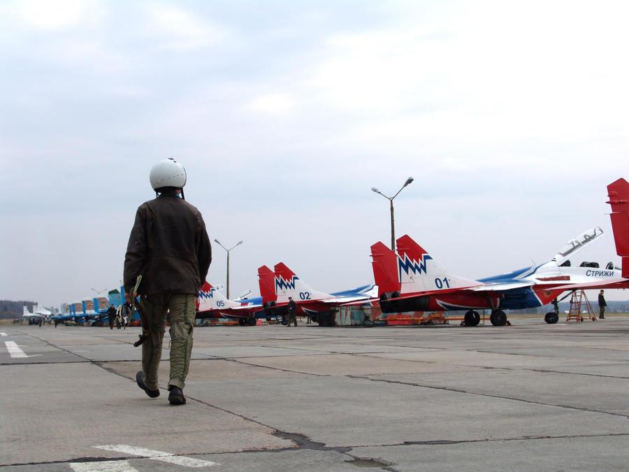 Минпромторг РФ направит студентов авиационных вузов учиться за границу