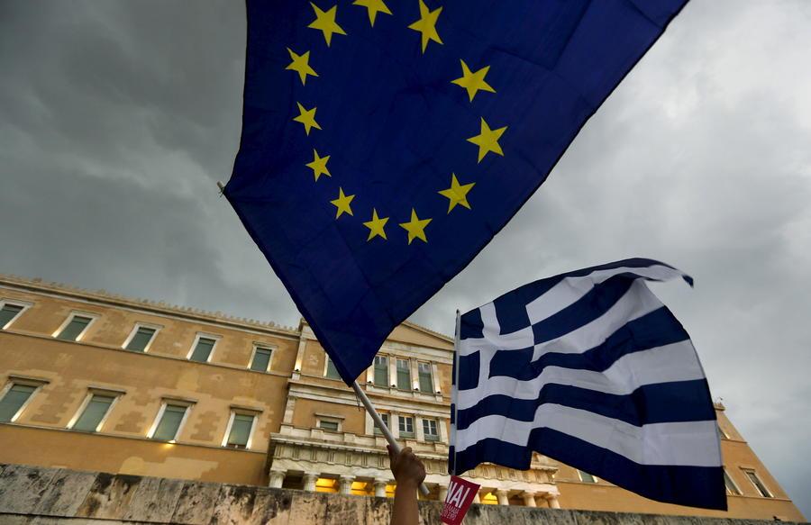 Греция запросила у Европейского стабилизационного механизма €53 млрд в обмен на уступки