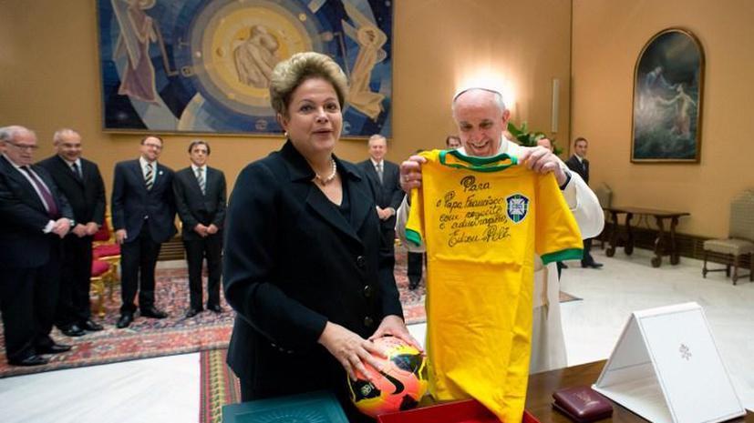 Папу Римского пригласили на Чемпионат мира по футболу в Бразилии