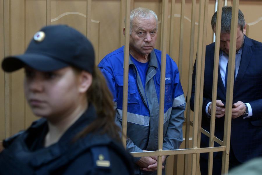 Водитель снегоуборочной машины из Внуково Владимир Мартыненко готов на сделку со следствием