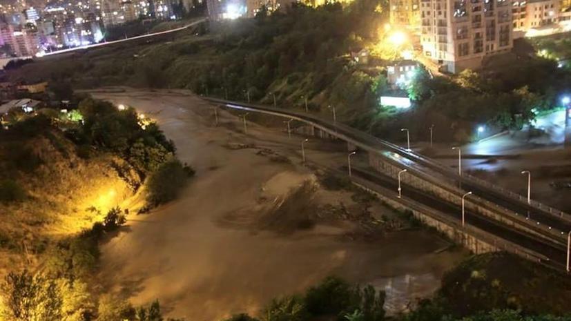 Наводнение в Тбилиси: по меньшей мере десять человек погибли в результате стихийного бедствия