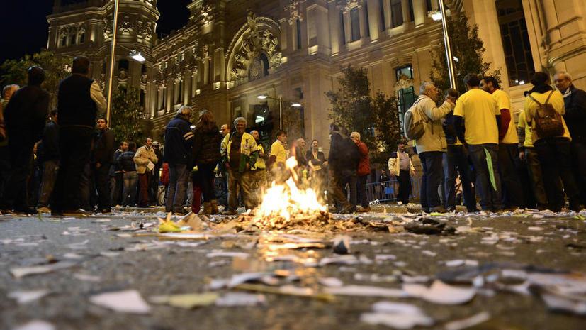 Испанцам придётся заплатить сотни евро за участие в протестных акциях