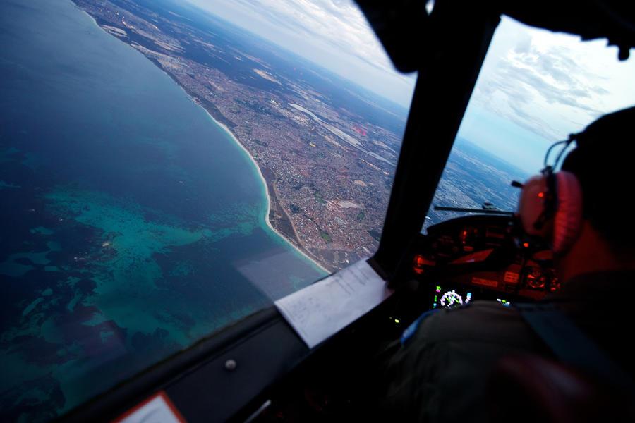 Британские СМИ: Пропавший над Индийским океаном самолёт Malaysia Airlines был сбит военными США
