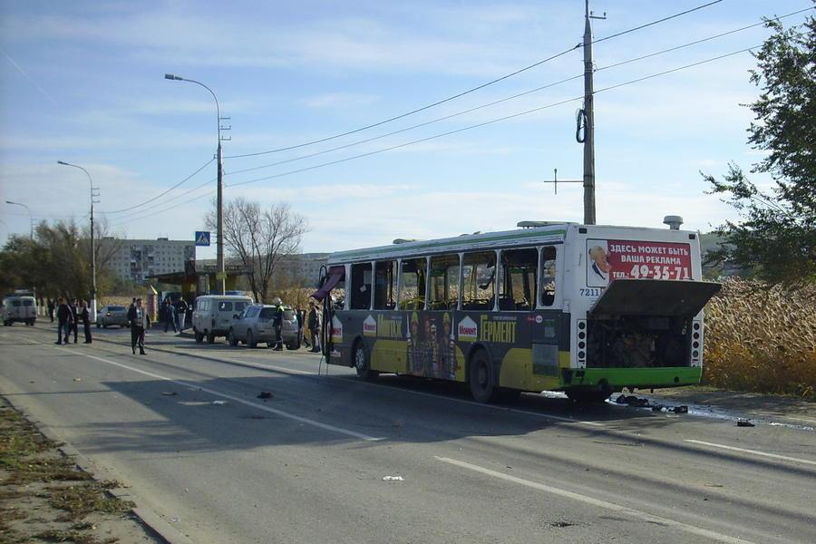 Теракт в Волгограде: первые фото с места событий